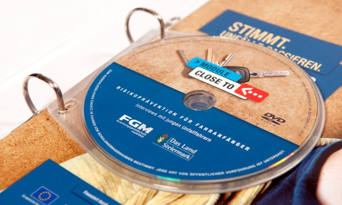 Close To Compact Disc für Ringordner